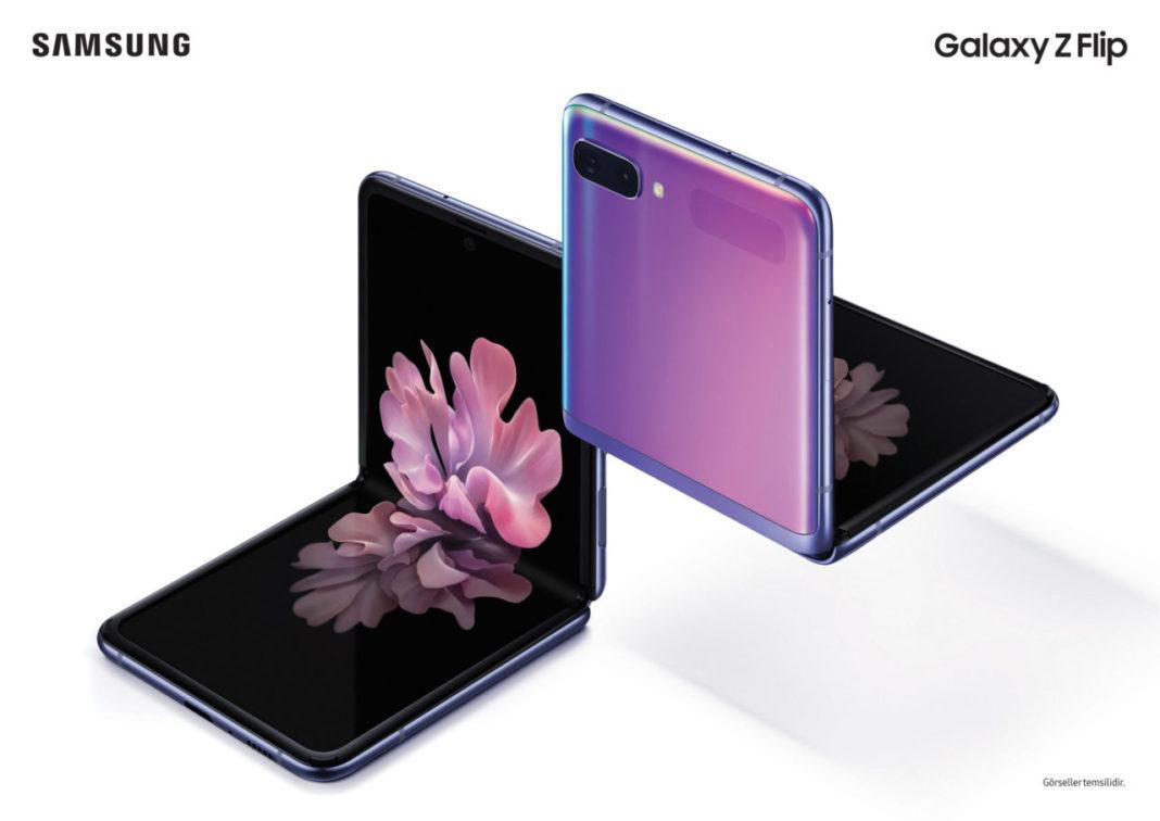 Annenizin Şıklığına Samsung Galaxy Z Flip ile Teknolojik Bir Dokunuş Yapabilirsiniz!