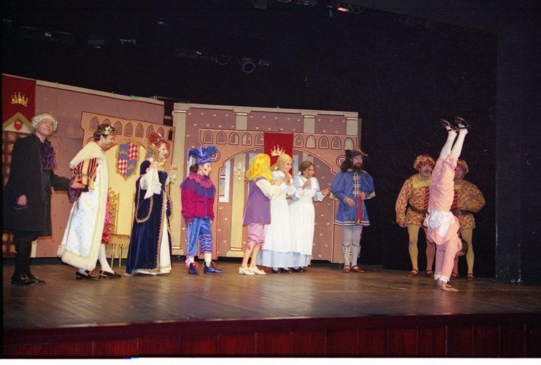 İBB sehir Tiyatrolari Evlerinize Konuk Olmaya Devam Ediyor