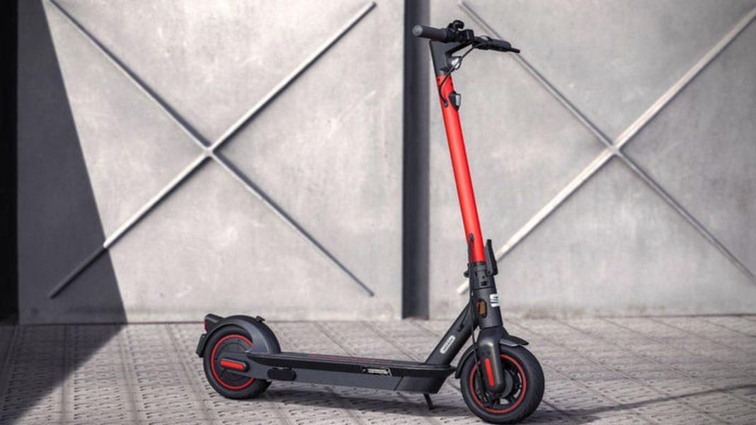 seatin-elektrikli-scooteri-satisa-sunuldu (1)