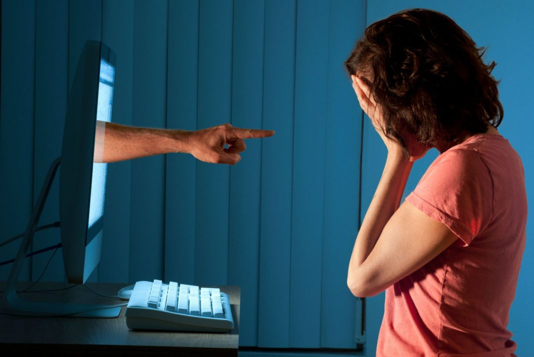 cocugunuzun Siber Zorbaliga Maruz Kaldgini Nasil Anlarsiniz