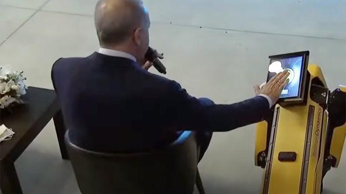 MESS Teknoloji Merkezi açılışına robot köpek Spot damga vurdu