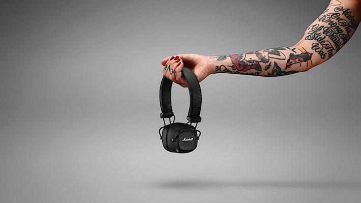 Marshall'ın Yeni Kulaklığı 80 Saate Kadar Kullanılabiliyor