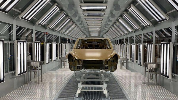 Tesla, yılın üçüncü çeyreğini rekorla kapattı