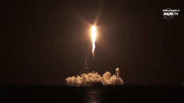 SpaceX, 4 astronotu uzaya fırlattı: İşte müthiş görüntüler