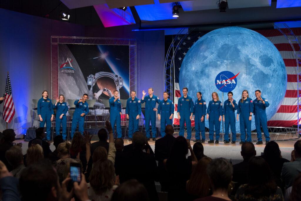 NASA'lı Gökbilimci Ciddi Ciddi Tarih Verdi: Yabancı Yaşamı 2036'da Bulacağız