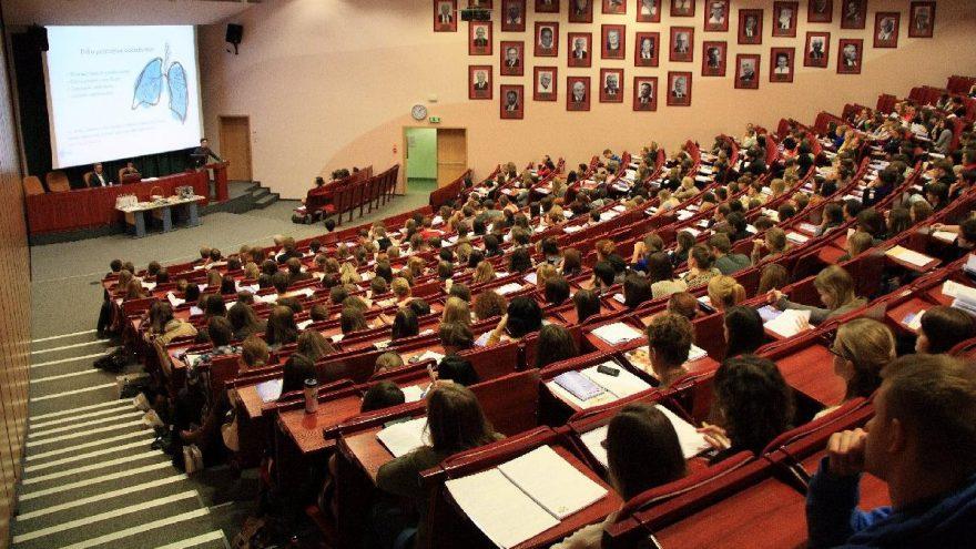 Sağlık Bakanı, YÖK'e İletilen 'Yüz Yüze Eğitim' Kararını Açıkladı