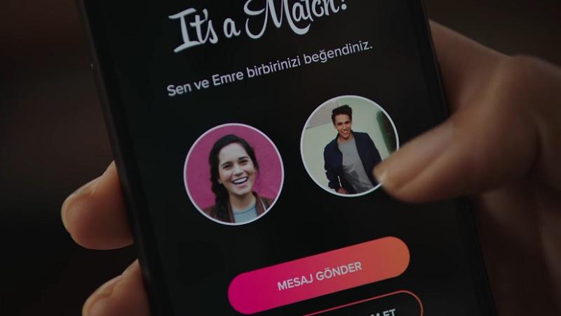 Tinder'ın Telefon Aksesuarı ve Kıyafet Üreteceğine İşaret Eden Patentler Ortaya Çıktı