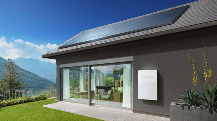 Tesla toplamda 200 bin duvar tipi batarya sattı