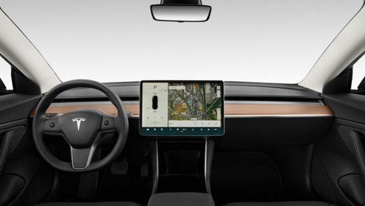 Tesla'dan Çok Tartışılacak Karar: Sürücüler, Kabin Kamerası ile İzlenecek