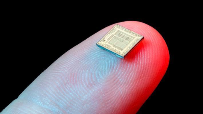 Intel, gelir açısından dünyanın en büyük çip üreticisi olmaya devam ediyor